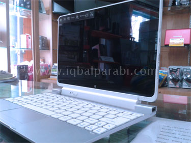 Iconia PC Tablet dengan Windows 8 W511 - 1