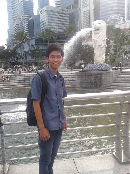 Iqbal Parabi Merlion Park